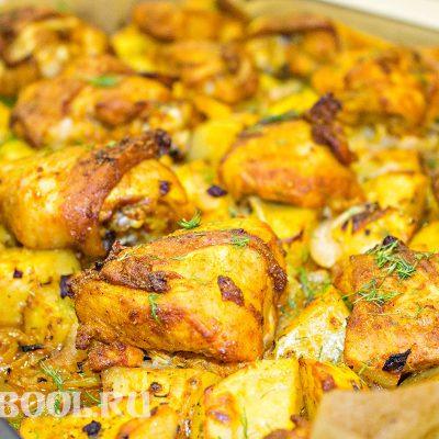 Как пожарить курицу с картошкой в духовке